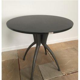 Table ronde granit noir effet cuir D85